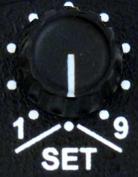 2.5 Frequency Settings 2.5.1 Manual Input turn in position With the input area (MHz or khz) can be selected: The selected value is then adjusted with the lower rotary knob.
