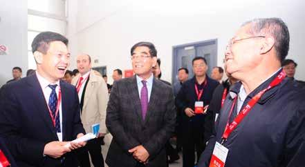 More than 500 persons such as government leaders, industry leaders, exhibitor representatives, senior experts and ambassadors in China from home and abroad attended.