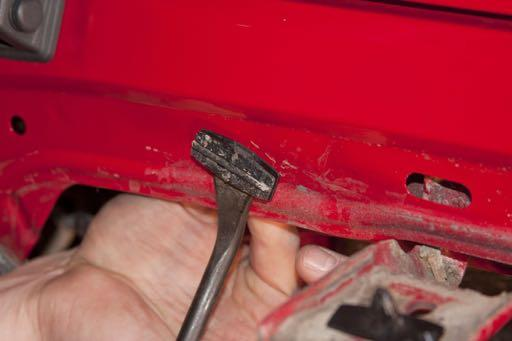(pic 5) PIC 5 Step 1f Remove any retaining clips that did not come free