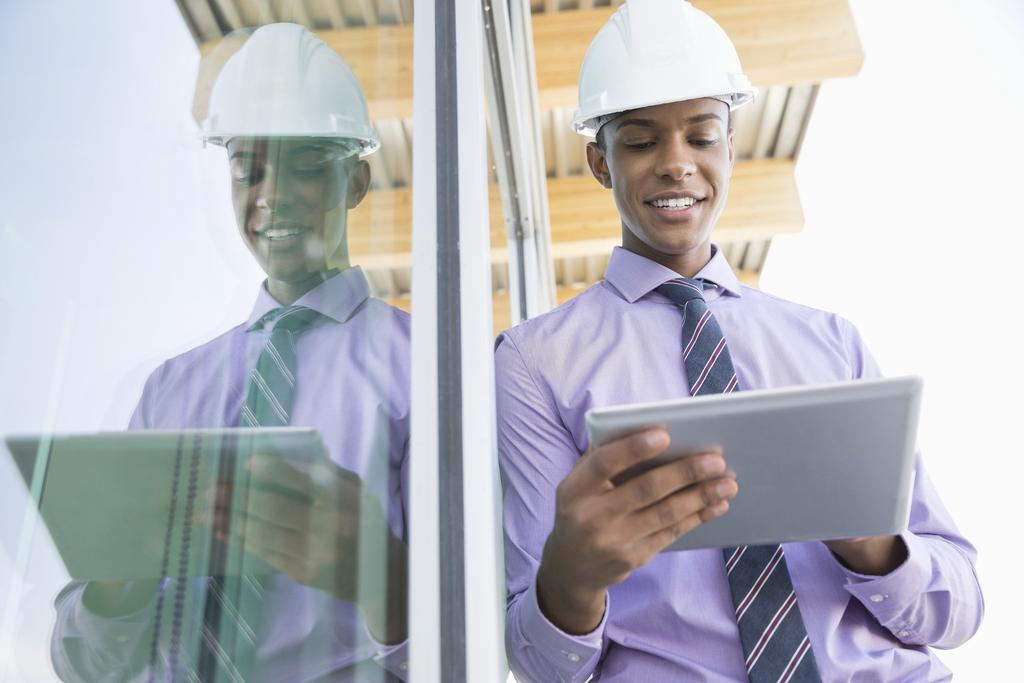 Work seamlessly from the office to the field With AutoCAD on your