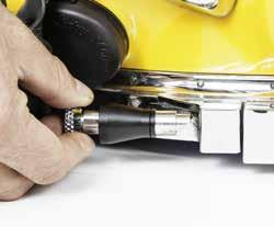 IMPORTANT: Pull pins should be in the closed position when installing. 1) Using a 9/64'' hex wrench remove the pull pins.