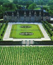 Muscadet Vineyard (Wine tour & tasting) Thursday, June 13 Depart: 09:00 Return: 13:00 On this guided bus tour to Clisson and Saint-Fiacre sur Maine, you will drive through the vineyards on the