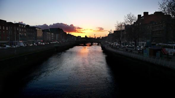 The camera was rested on the balustrade of a bridge over the River Liffey to capture this Dublin sunset.