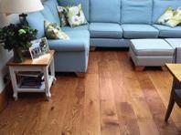 SOLID OAK FLOORS Our random width oak floors are