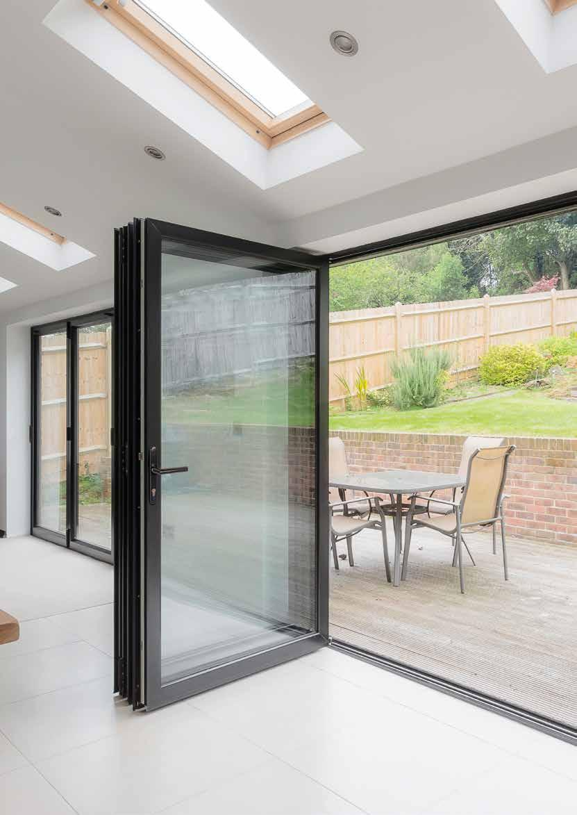 KAWNEER ALUMINIUM AA 3720 Bringing the outside in Whatever the style of your home and the size of your living space, our bifold doors offer you the flexibility to create a home to suit the needs of