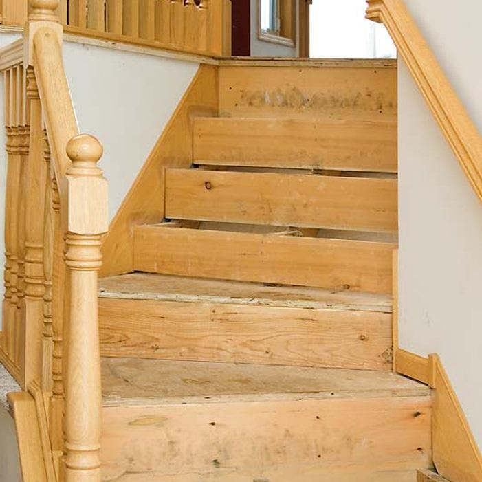 Based on the installer s preference, the staircase configuration and local Building Codes, there are generally 3 options when determining how to build the substructure of the staircase prior to
