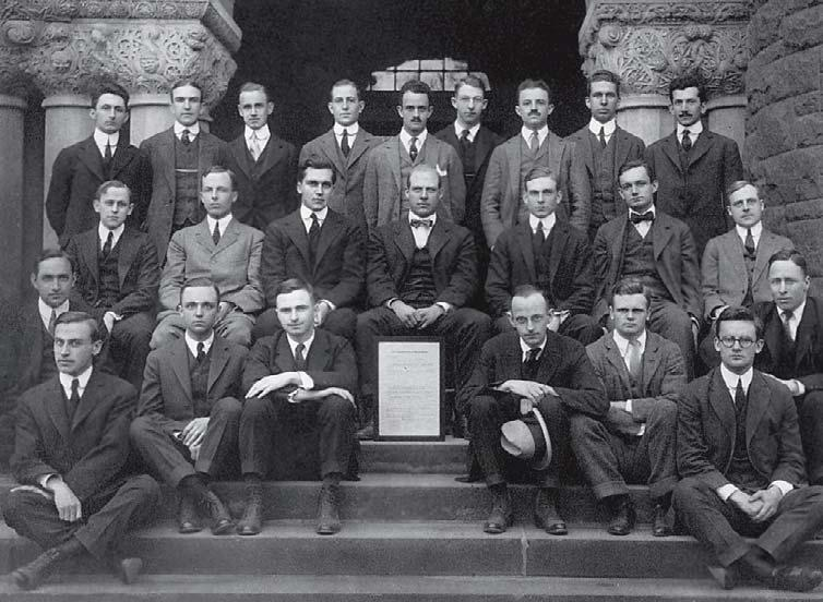 GIVING BACK A century of earning and service One hundred years ago, a sma group of Harvard Law students formed an