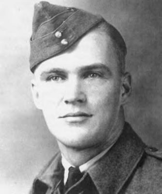 The Royal Canadian Legion MANITOBA & NORTHWESTERN ONTARIO COMMAND WARREN, Robert J. Bob Bob was born in Holland, Manitoba in 1916.