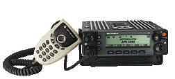 ASTRO 25 MOBILES APX 7500 APX 6500 Complete and ideal mobile solution for first responders, the APX 7500 radio offers dual band interoperability in one radio which can operate in any 2 of the