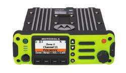 controls, integrated response selector, and day/night mode capability. O7 Compatible with APX 7500 and 6500 radios.