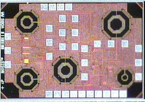 LNA Buffer 5.4. MEASUREMENT RESULTS Test Structures Figure 5 17: The die micrograph of the proposed LNA. 5.4 Measurement Results The proposed and fabricated circuit was tested using a probe station, and an on-chip buffer was used to drive the 50 Ω impedance of the measurement equipment.