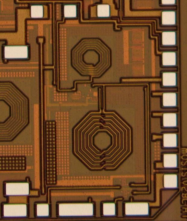 S21 (db) 0.8-mm 8.4. CHIRP-FSK IR-UWB RECEIVER DESIGN G IN G L3 L1 & L2 0.5-mm G S G S G Figure 8 9: The Die micrograph of the fabricated LNA.