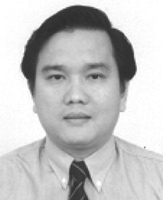 Liu Tong received his Bachelor and Master degrees in applied optics in 1988 and 1991, respectively from the Department of Modern Applied Physics, Tusinghua University, China.