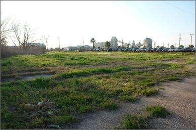 LAND 26th St @ Market, Mechanic Galveston, TX 7755 Parking: Land Commercial % No For Sale at $2,88,
