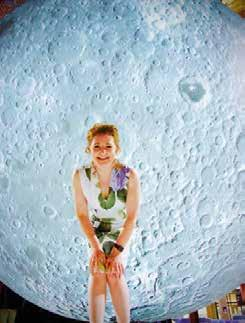 My Place in Space with Niamh Shaw Seó do leanaí. How was our Solar System made? How do we smash an atom? Did you know that we are all made from Star dust?