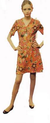 Don't you agree that Twiggy looks better in this dress?