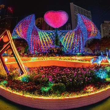 The Hong Kong Flower Show 2019, organised by the Leisure and Cultural Services Department (LCSD), will be held at Victoria Park from 15 to 24 March 2019.