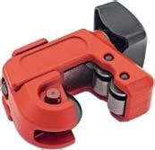 aluminium and soft steel pipes from mm in diameter 00 Ratchet pipe cutter Innovative pipe cutter with a worldwide patent and ratchet mechanism which allows you to cut a pipe without having to