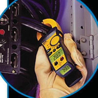 Ideal Clamp Meters Backlit TightSight bottom display for viewing in dark, bright, or tight locations.