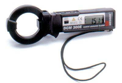 "MULTI-CORE CLAMPMETER 61-772 Measure single, two or three core cables No need to split wires Cable centering clamp Backlit display MMC850 770 SERIES Jaw Size 2"" (51 mm) Range 61-772 61-774 Accuracy"